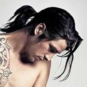dark-hair-ponytail-look
