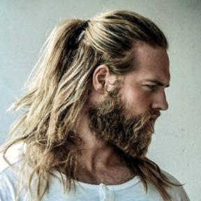 ponytail-for-men-long-hair-men