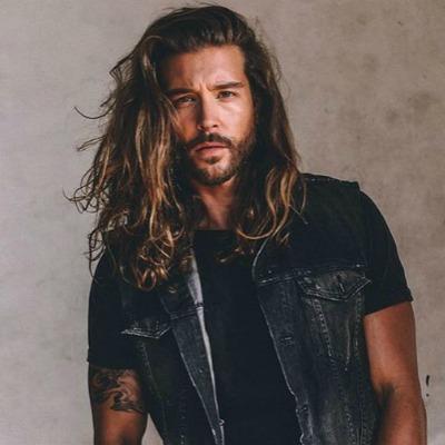tousled-long-hair-for-men-